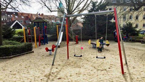 Spielgeräte für den öffentlichen Bereich und den öffentlichen Raum: Kosten für Spielgeräte bei der Planung des Spielplatz.